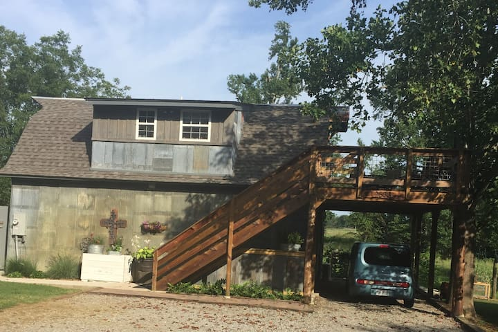 Country Craftsman Loft