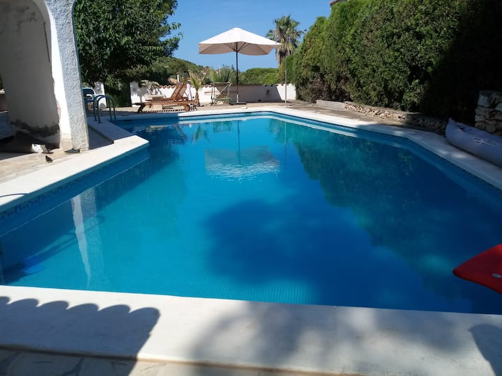 Large Private swimming pool & terrace