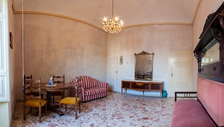 Comfortable, in the heart of Val di Noto