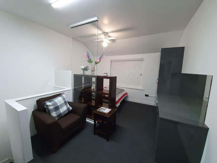 Brand new studio Apartment in LE1 1PA