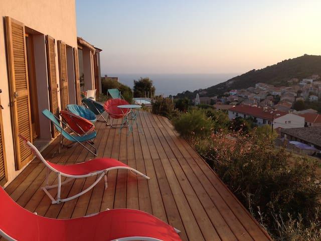 Vue exceptionnelle en plein cœur de Cargèse - Cargèse - Villa