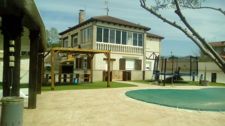 Chalet rustico independiente. - Escalona del Alberche - House
