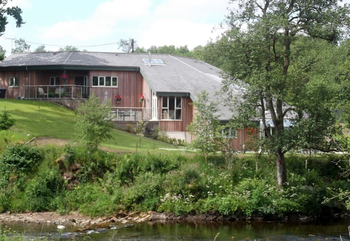 Black Burn Lodge Bed & Breakfast - Newcastleton - Bed & Breakfast