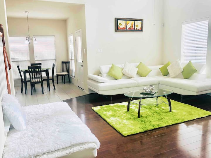 Beautiful 4/3 Home near Katy Mills and Water Park
