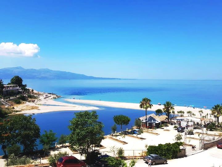 Sunny Saranda Beach Apt