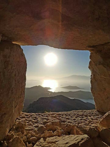 YIAYIA'S HOME - ΤΟ ΣΠΙΤΙ ΤΗΣ ΓΙΑΓΙΑΣ - CHALKI