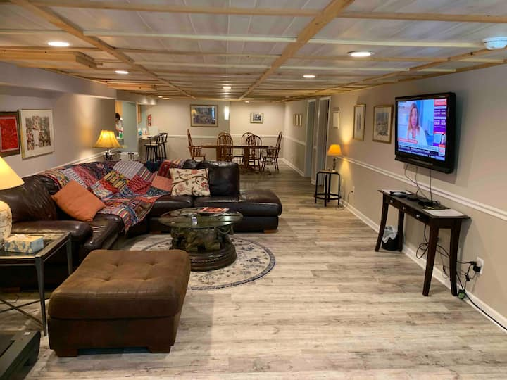 Spacious apartment close to Lake Mohawk & Perona