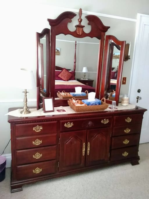 Sequoia Room Dresser