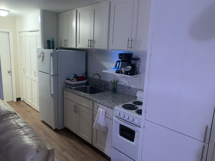 1 Bedroom apt. minutes from Waikiki Beach