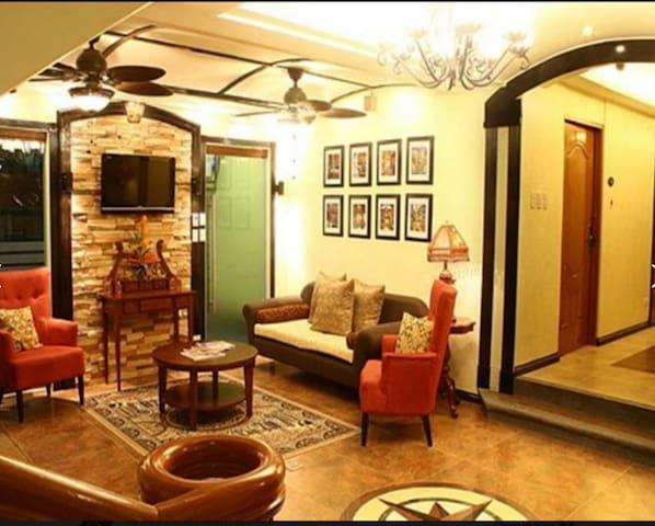 LBH Tagaytay Superior Room-I LOVE MOM Promo - Tagaytay - Appartement