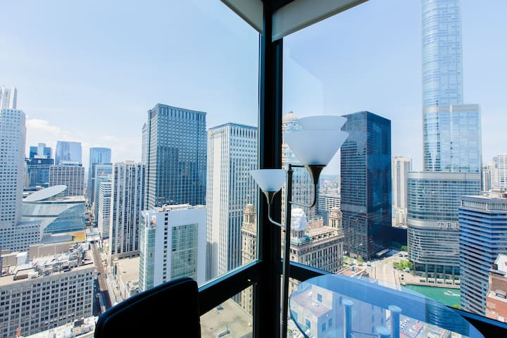 Downtown / Loop 2BR Condo - Magnificent Mile -3807