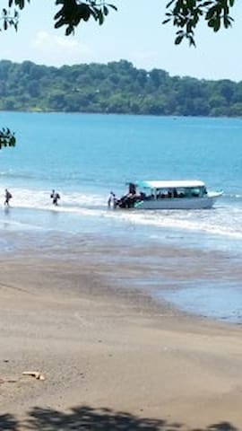 La Joyita Cabina on Pacific Ocean - Drake Bay - Rumah