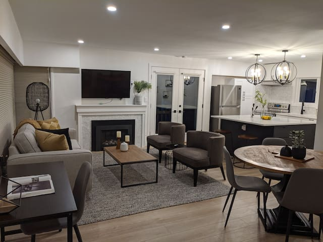 Newly Renovated Upstairs Suite in North Vancouver