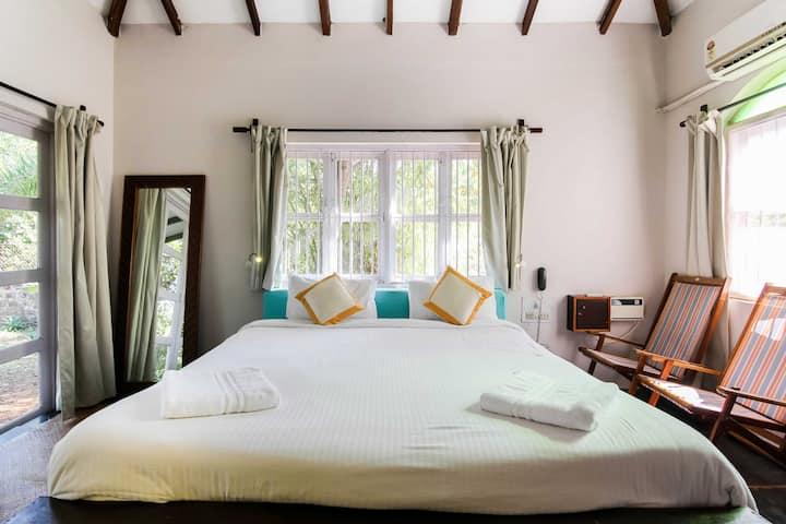 3Delux Hut with Pvt backyard garden & Yoga Shalla