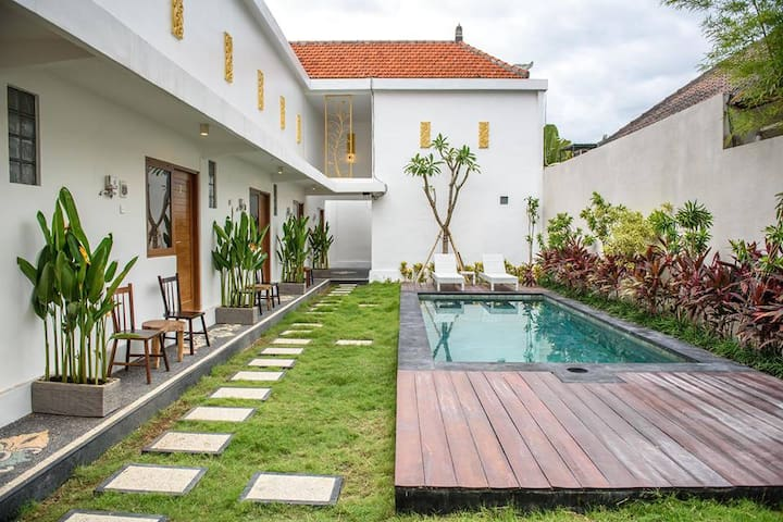 1Bedroom Apartment #1 at Seminyak & shared Pool