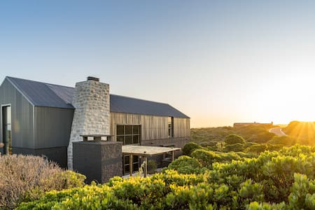 Black Barn @Romansbaai Beach Estate