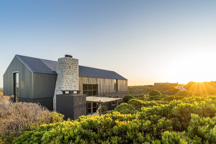 Black Barn at Romansbaai Collection Private Beach