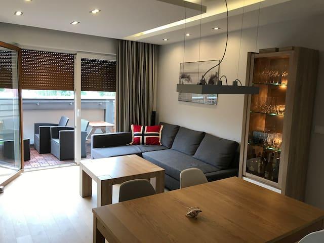 Luksusowy apartament z garażem, Międzywodzie