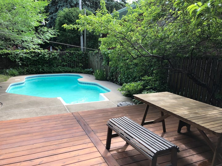 Mid-century house with pool - 15min to downtown