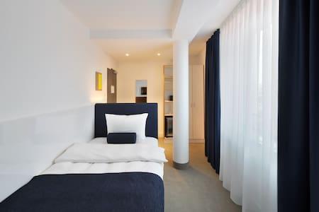 Single Room in 3.5-Star VI VADI HOTEL BAYER 89