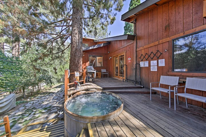 Wrightwood House w/ Fire Pit - Hike & Ski Nearby!