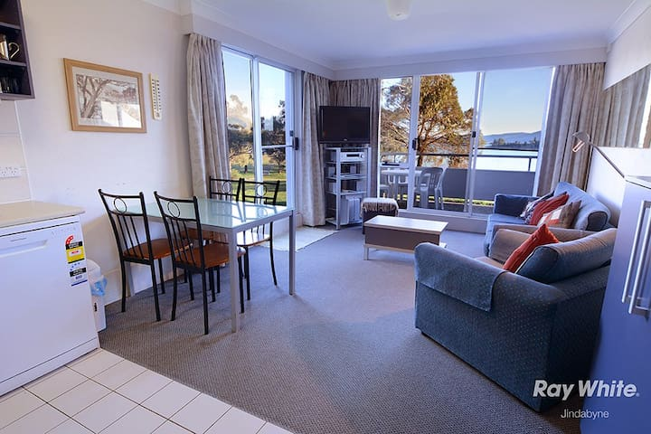 Horizons Resort Jindabyne - 1 Bedroom Corner Unit