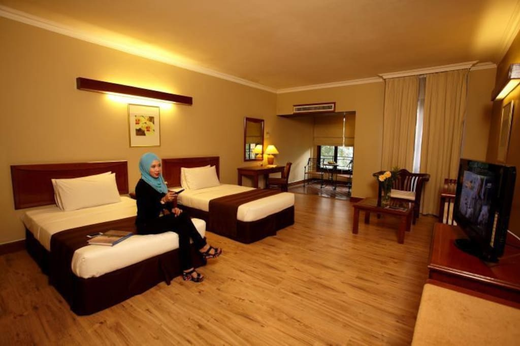 Orchid Twin bedded room