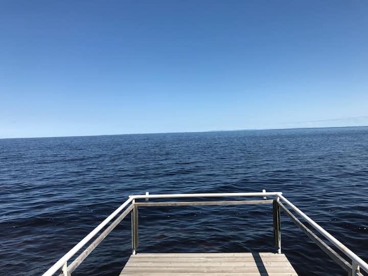Chalet situé sur le bord du Lac st-Jean