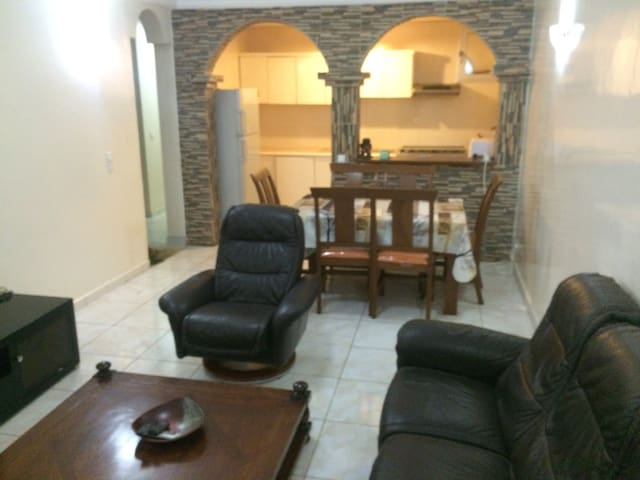 Une maison dans un immeuble!! - Dakar - Apartment