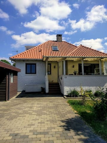 A two rooms studio w/ own entrance 6km from CPH