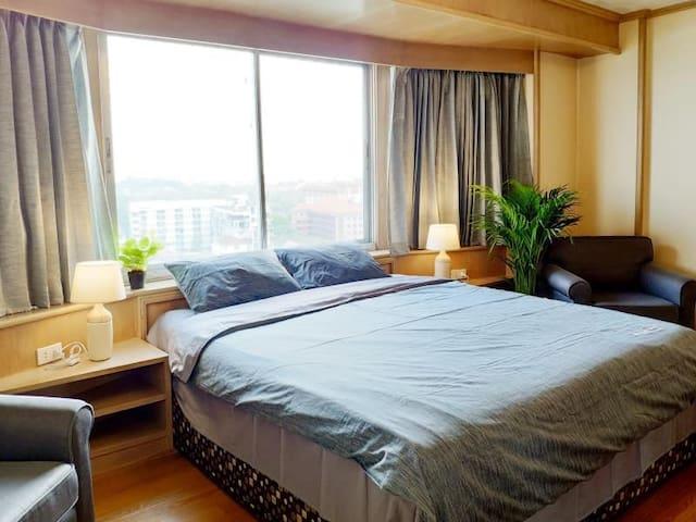 蜗牛民宿/两卧室大床房Duplex复式楼9分钟尼曼路10分钟MAYA玛雅6分钟清迈大学