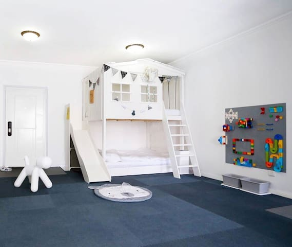 超赞!ins设计师珍妮的亲子房,看海,看月球,玩萌娃的屋屋!妈咪妈咪哄!