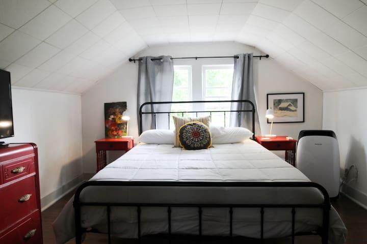 Upstairs - queen bedroom