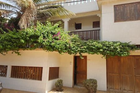 Big house, quiet area, 150m from the beach