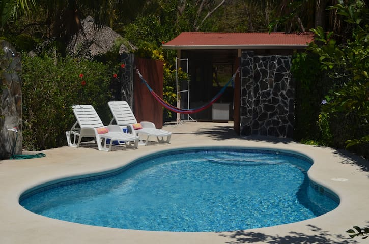 Golf Villa - Steps to Beach! Sleeps 8 w/bungalow!