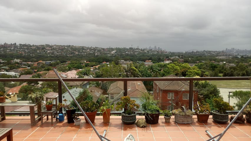 Room with incredible views of Sydney harbour - North Bondi - Pis