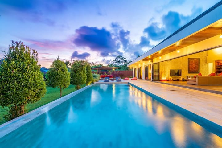 Boutique Private Villa 2 Bedroom+Breakfast DOre