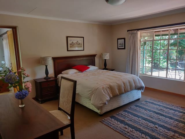Charming Dullstroom Cottage