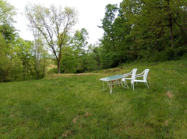 Romantic Private Retreat Campsite  - Redbud