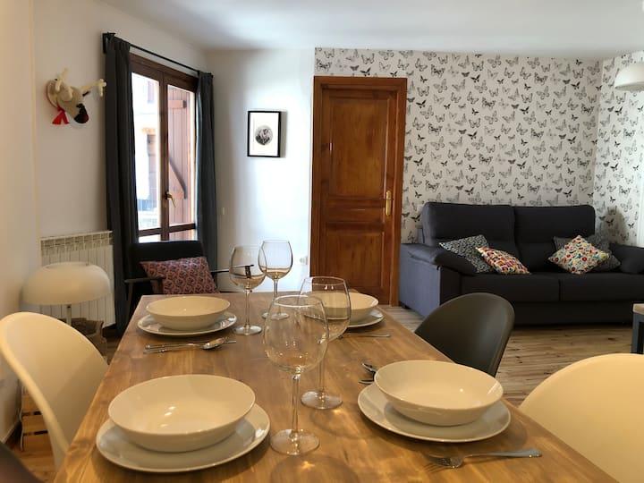 Precioso y tranquilo apartamento Benasque Centro