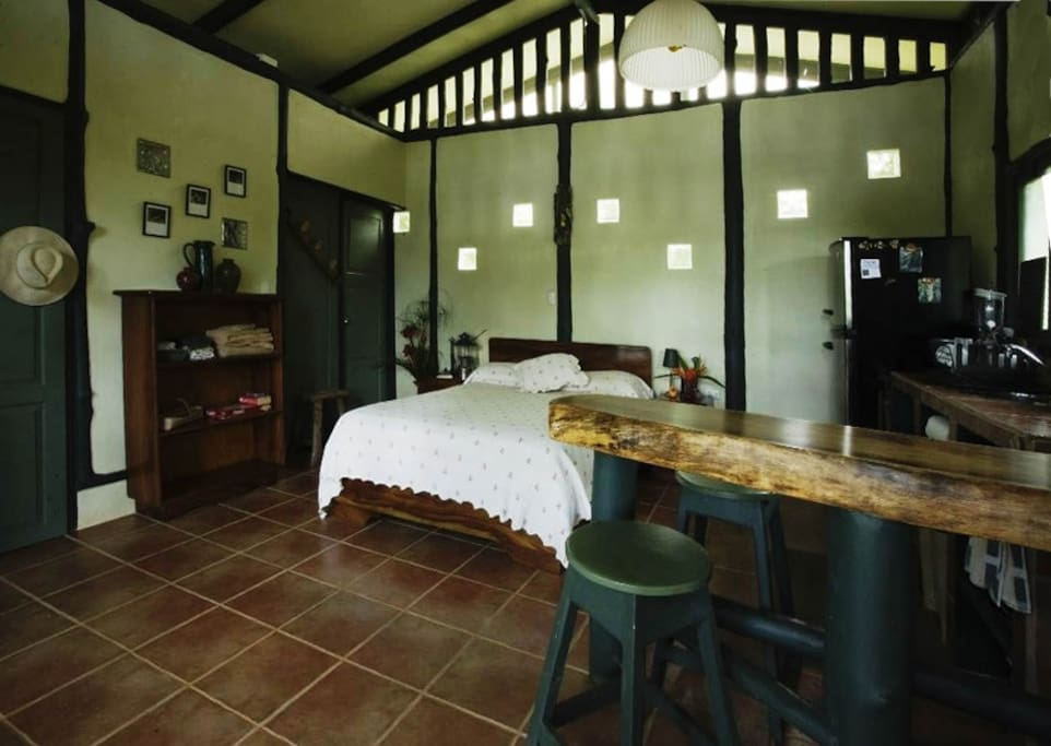 The quintessential jungle escape chalet in affitto a for Camera letto jungle