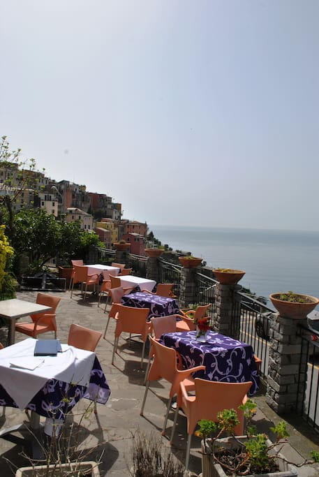 Room cinque terre with balcony boutique hotels for rent for Boutique hotel liguria