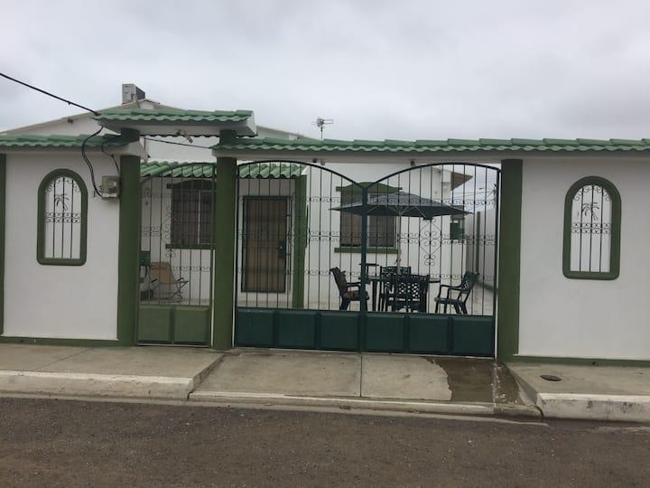 Casa en ciudadela privada en punta carnero