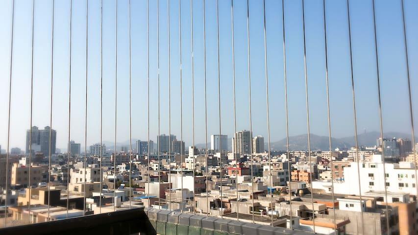 蓝天白云 超大阳光房 美丽的汕尾老城夜景 Dodo home 欢迎您 - 汕尾市