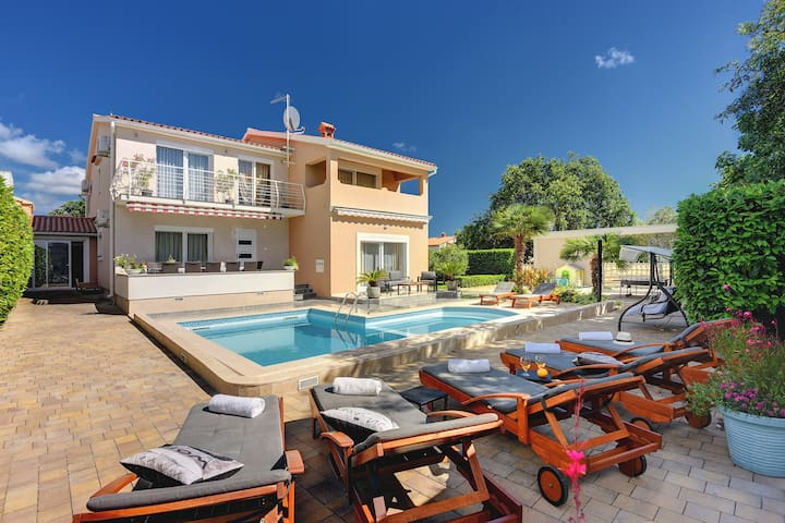 Relax house Villa Marina with pool