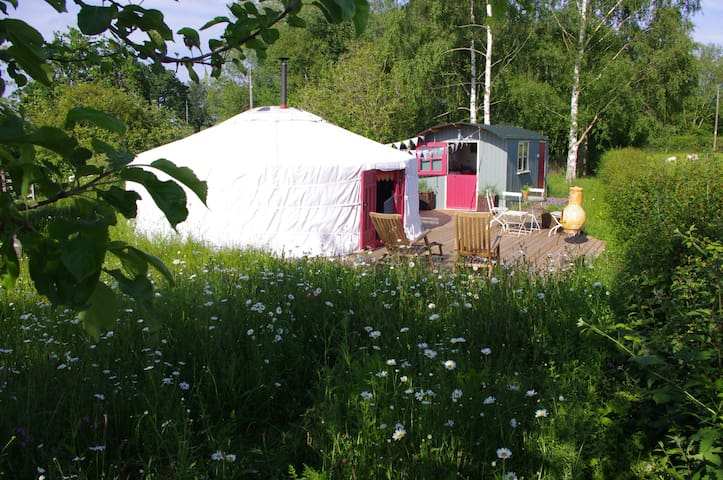 The Yurt at Midland Farm with own shepherds hut - Norton Canon - Jurta
