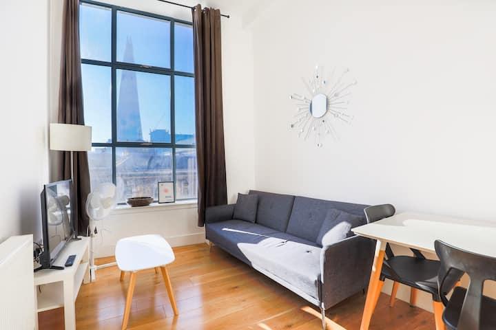 Premium 1 Bed Flat Shard View London City SV1
