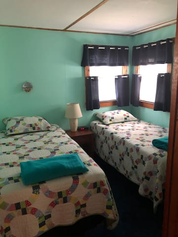 Back bedroom with twin beds