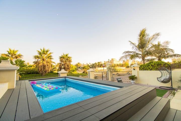 Luxury private pool Villa at Ras Al Khaimah