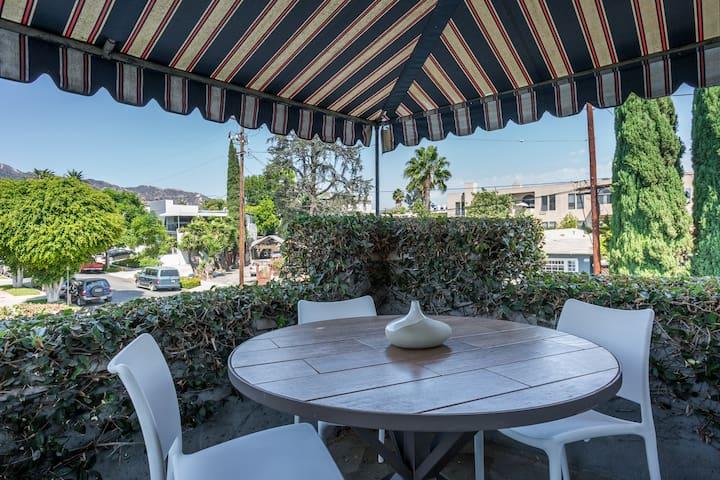 West Hollywood Stylish Apt 30 Day Furnished Rental